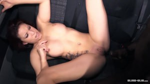 Bums Bus – Kookie Ryan is opening Natalie Hot's small pussy in an interracial action German