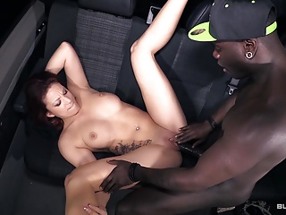 BumsBus – Kookie Ryan is opening Natalie Hot's small pussy