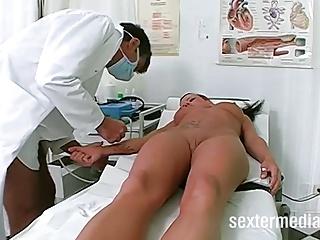 Dreier beim Frauenarzt! – Skandal in Deutschland!