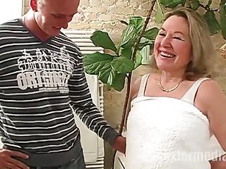Deutschlandporno mit Oma Maria!