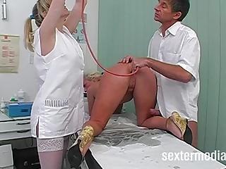 Perverse Spiele beim Frauenarzt