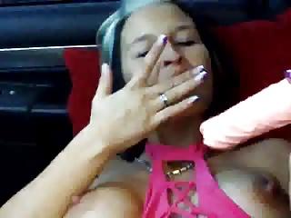 Milf im Auto