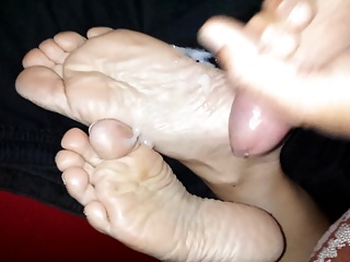 Cum on girlfriends soles Footfetish