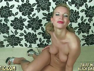 AnnikaRose: Spitting Titts