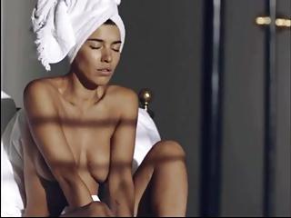 Frida Gold nackt im Video – danke an den Ersteller!