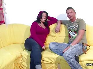 Er ueberredet die Schwester seine Freundin zum Fick