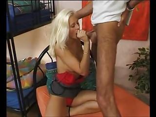 Geiles Blondes Girl wird Gefickt