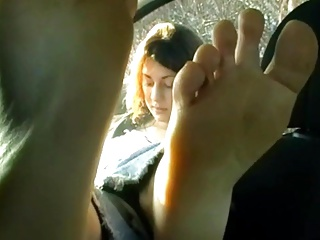 German girl offers her stinky feet for a ride – fuesse