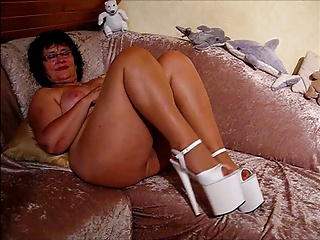 Mature German Lady Butt Naked In Platform High Heels