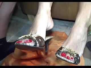Cum on Toes