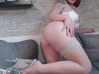 Amateur Girl NinaDevil im weissen Body