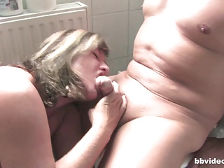 Bbvideo.com Chubby German MILF fucking in bathroom