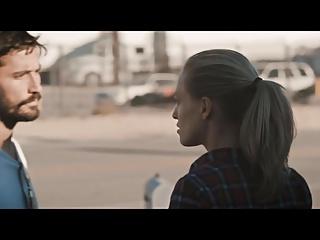 Supergirl gosebumps at 1.05 min