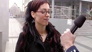 Brillenluder Tina