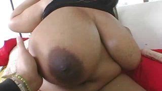 BBW Superstar Ms Deja Oils Her 44 inch Tits