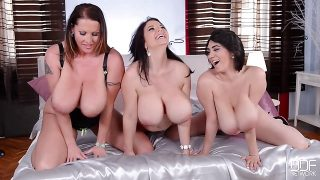 Luna Amor and her busty friends