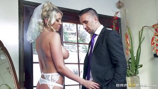 Brazzers – Lexi Lowe gets one last cock before the wedding