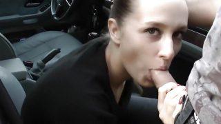 Eva auf der Strasse zum spontanen Sex ueberredet