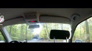 Hardcore Teensex im Transporter mit HannaSecret