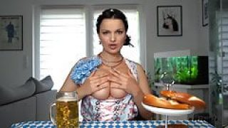 Oktoberfest mit Amateurin MariaMia